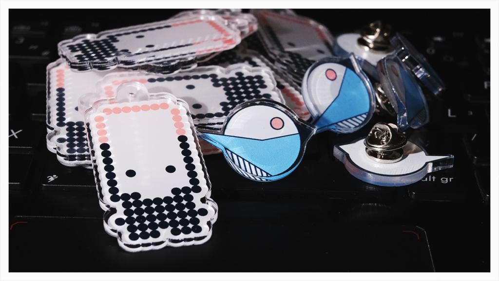 Acrylic Charms & Pins for Loiseau créatif & Pimp my Brain logotypes